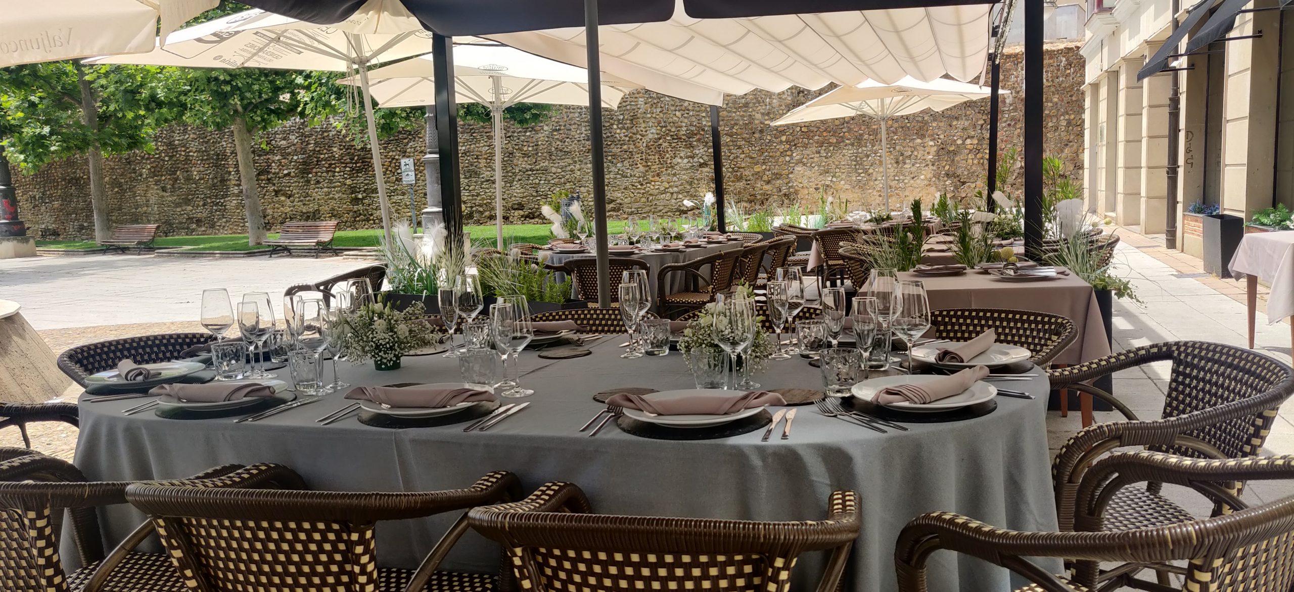 Terraza restaurante en el centro de León
